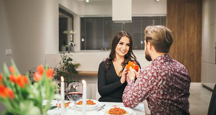 הצעת נישואים בבית